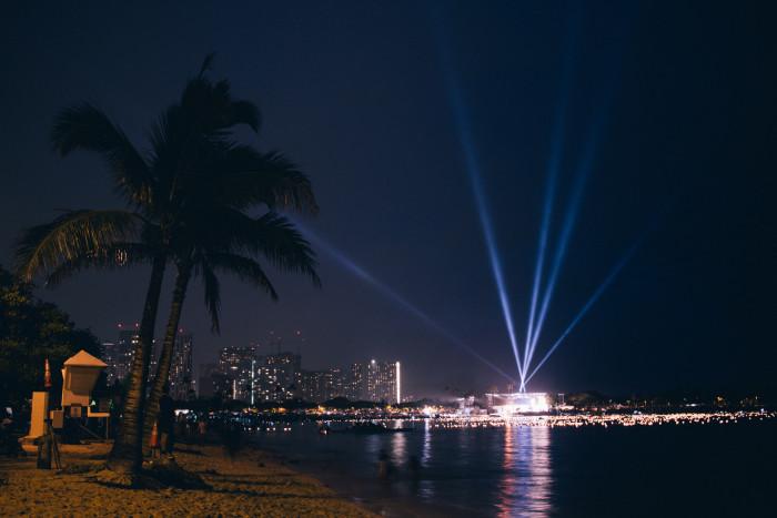 Lantern_Floating_Ceremony_Hawaii_2016-24