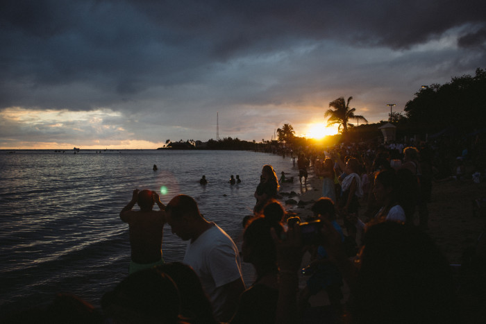 Lantern_Floating_Ceremony_Hawaii_2016-5