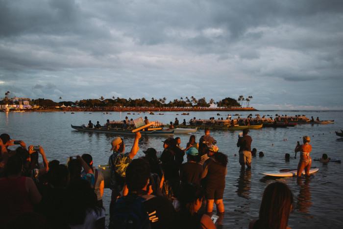 Lantern_Floating_Ceremony_Hawaii_2016-8