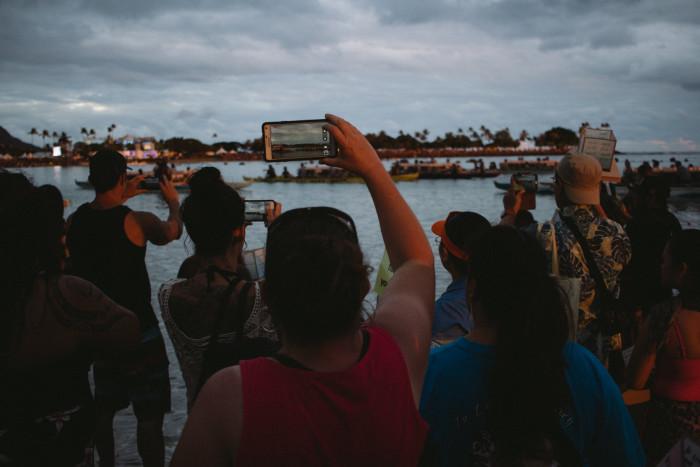 Lantern_Floating_Ceremony_Hawaii_2016-9